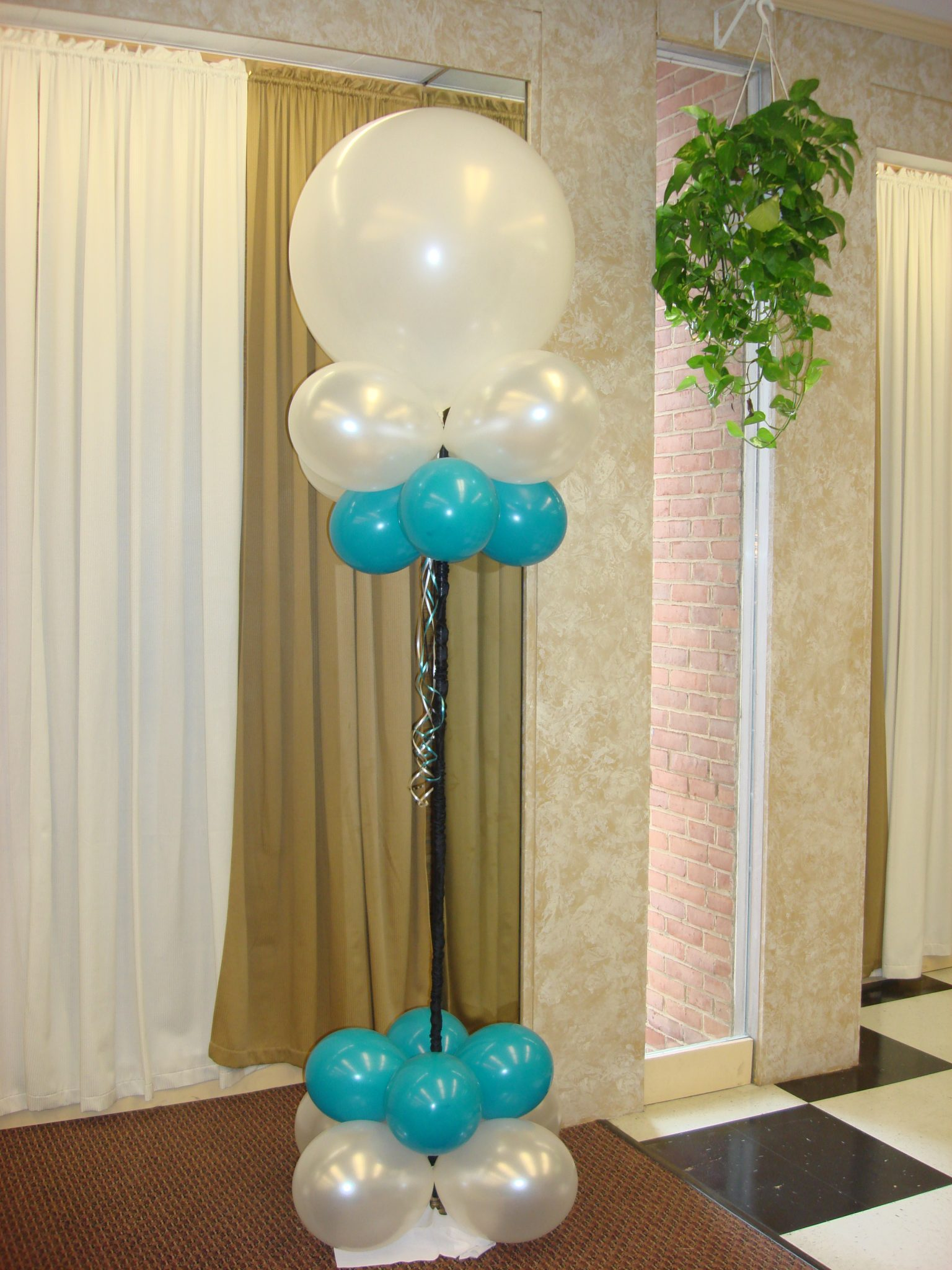 Balloon d cor pricing guide baltimore 39 s best events for Balloon decoration guide