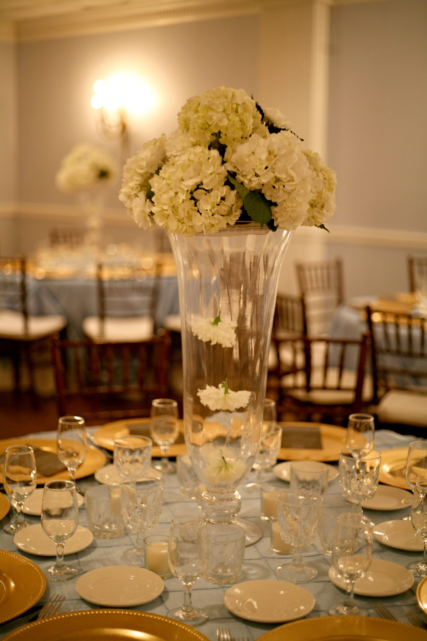Cylinder centerpieces for wedding