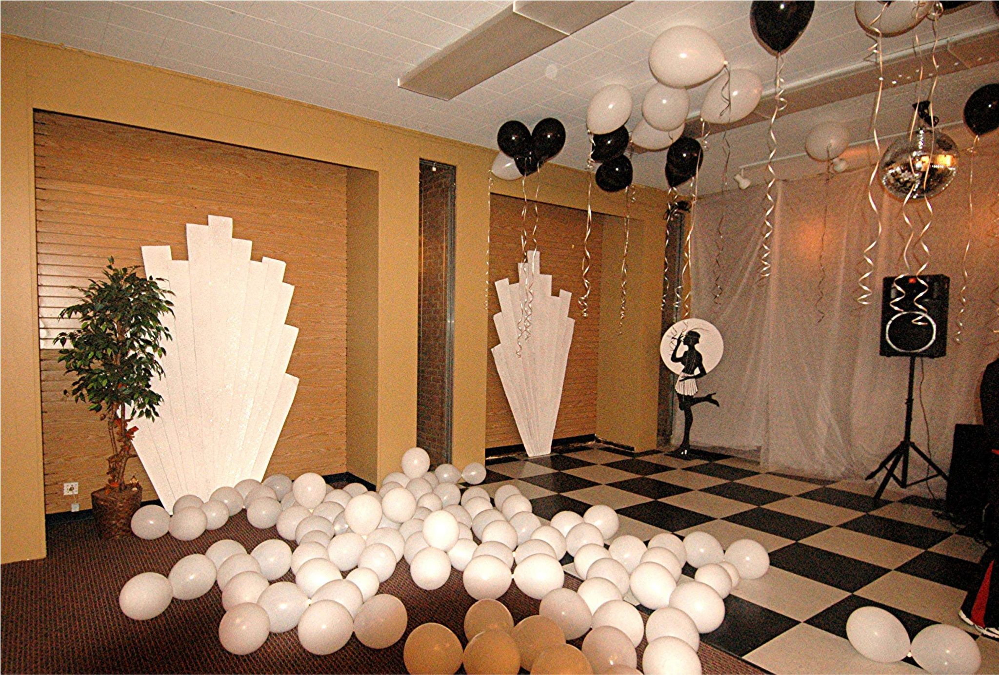 Retro black white art deco baltimore 39 s best events for Deco decorations