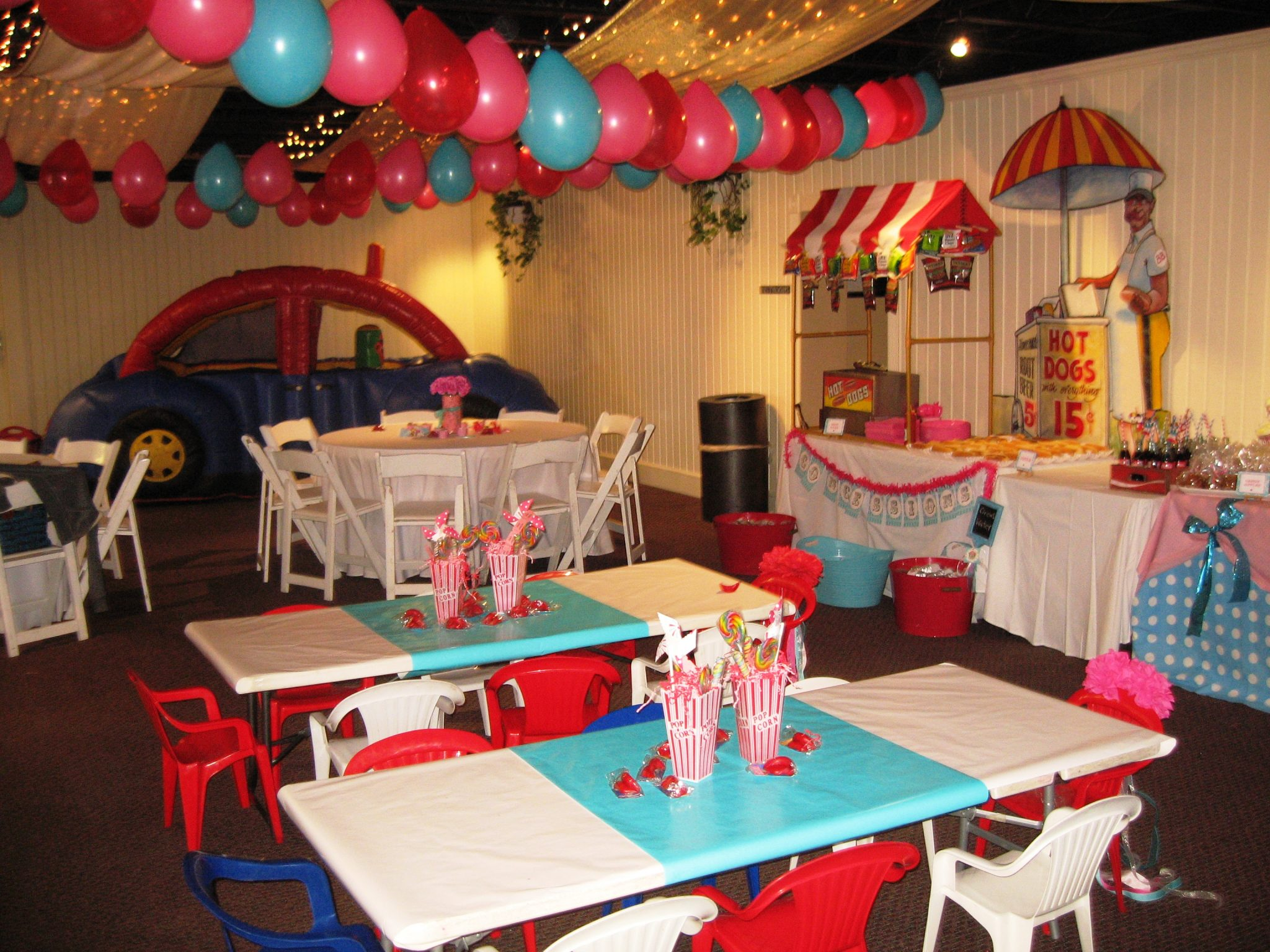 Carnival theme party game ideas for Clown dekoration
