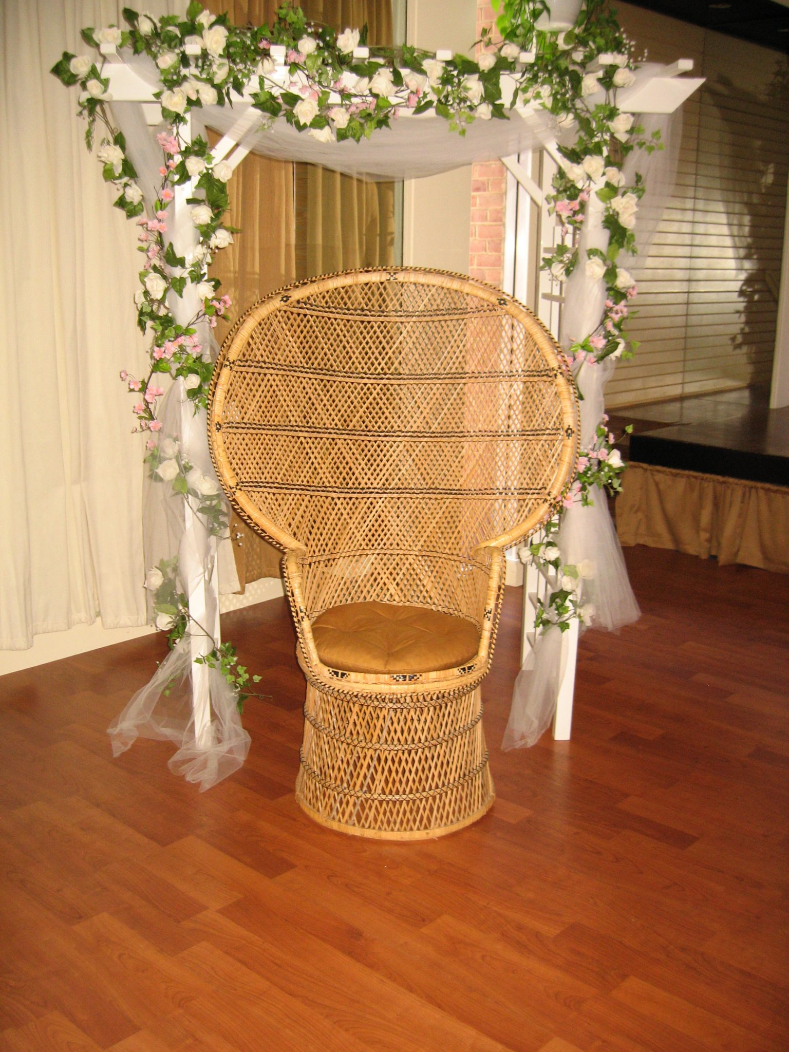 Rent Baby Shower Chair