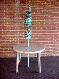 Table w umbrella 4' bone