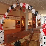 Roll-the-dice-balloon-arch2