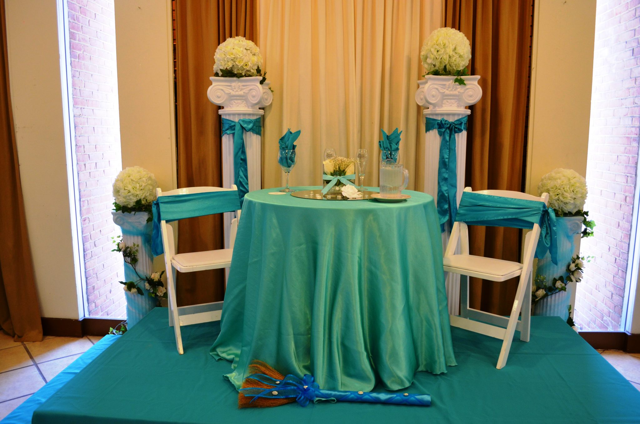 ... Turquoise Linens Black Red Chair And Sash (3) ...