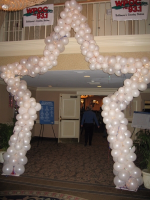 Arch Star 14′ Lighted